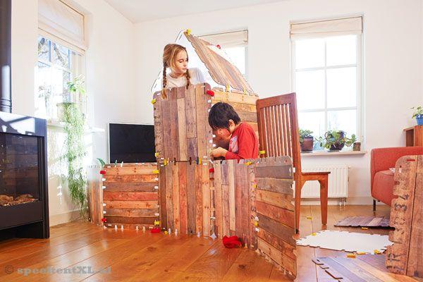 Iets Nieuws Fantasy Forts Bouwpakket kartonnen hut 16 panelen | SpeeltentXL.nl &IP72
